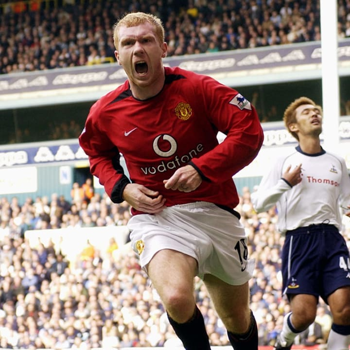 Paul Scholes of Manchester United celebrates scoring the opening goal of the match