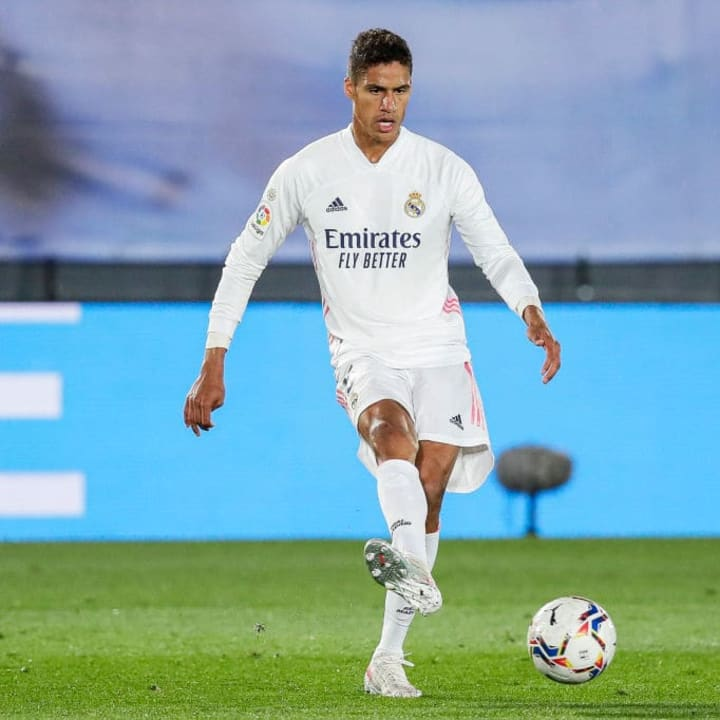 Raphael Varane will sign a new deal at Real