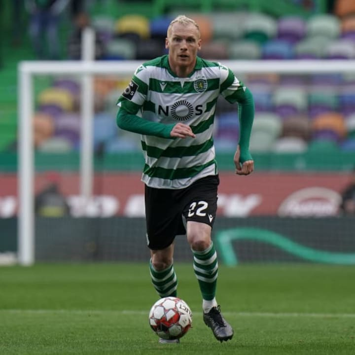 Sporting CP have not won Liga NOS since 2002