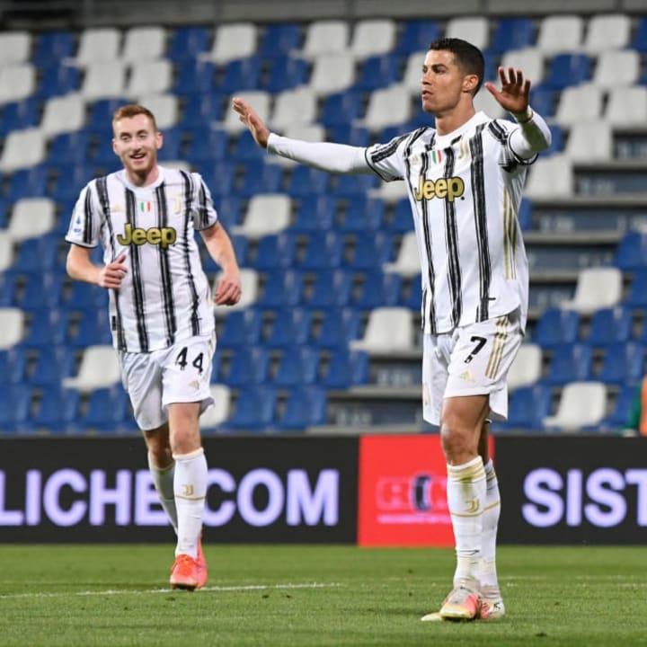 Cristiano Ronaldo makes it 2-0 to Juventus