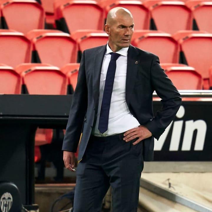 Zinedine Zidane soll ein Auge auf David Alaba geworfen haben
