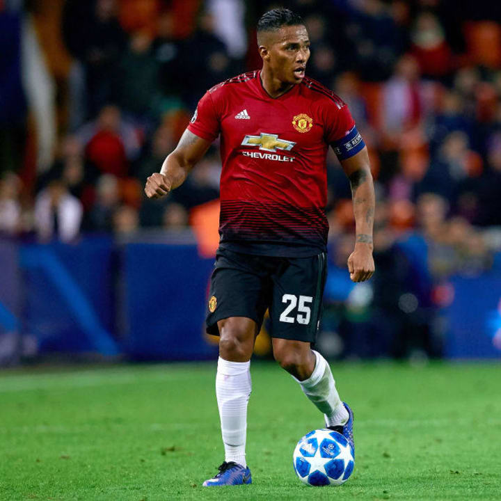 Valencia v Manchester United - UEFA Champions League Group H