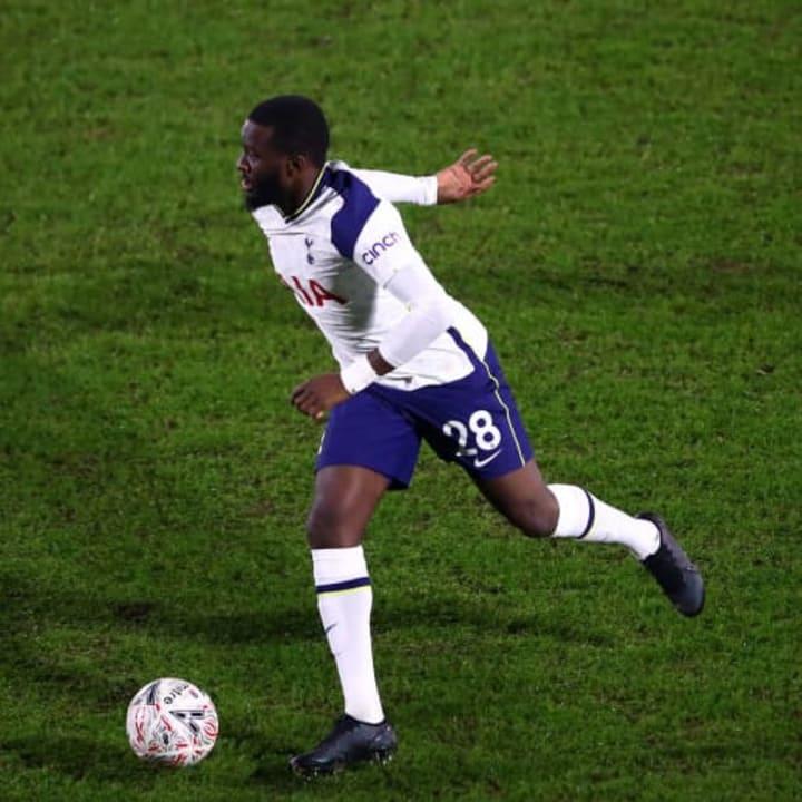 Tanguy Ndombele, Curtis Thompson