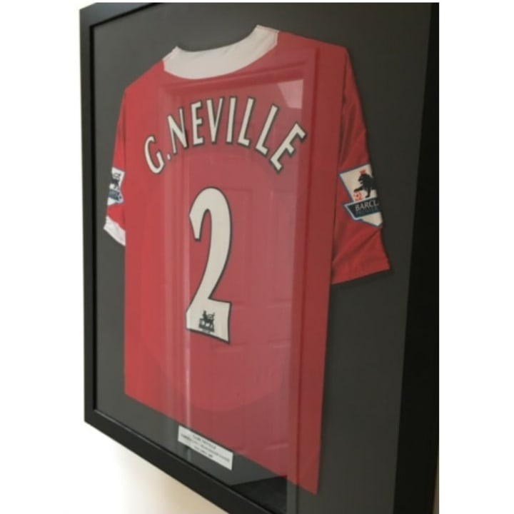 Home shirt worn by Gary Neville in 2005