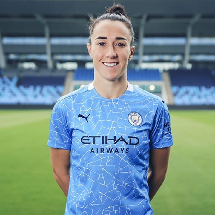 Lucy Bronze is back in the WSL after leaving Lyon