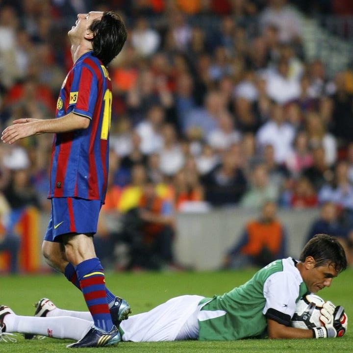 lionel messi valencia diego alves la liga the players tribune