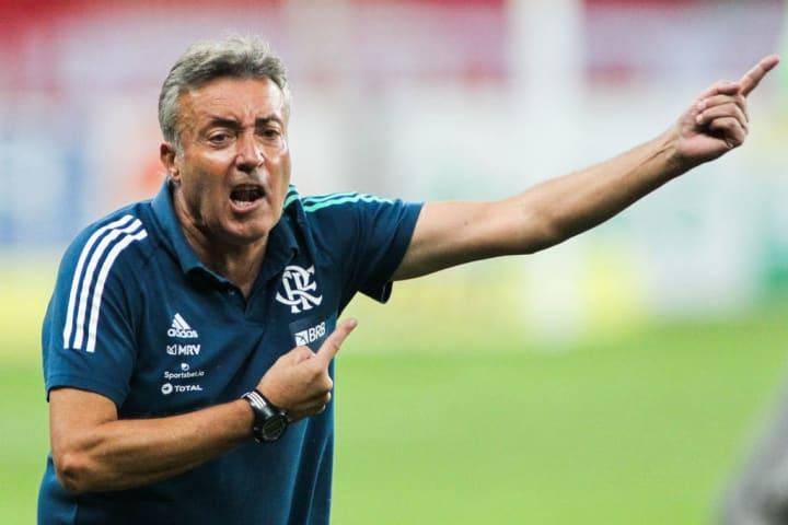 Domenec Torrent Flamengo Treinador Ariel Holan Santos