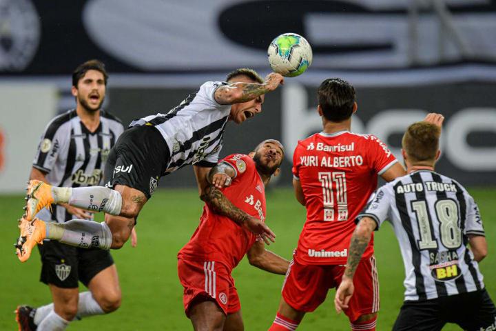 Eduardo Vargas Patrick Internacional Atlético-MG Palpite Campeonato Brasileiro