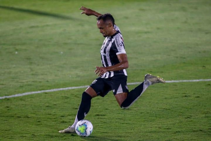 Bruno Pacheco Lateral-esquerdo Ceará Clássico-Rei
