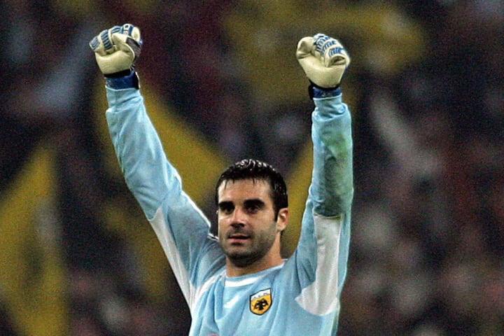 AEK Athens goalie Stefano Sorrentino cel