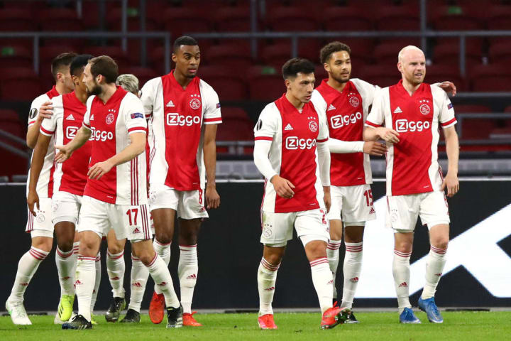 Ajax overcame Ligue 1 leaders Lille to reach the last 16