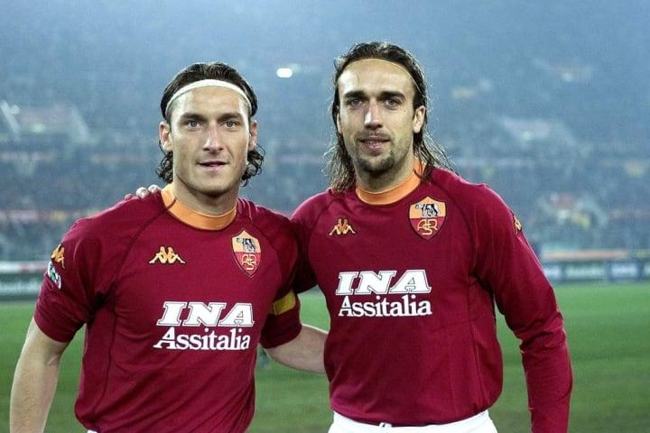 Dua pria yang mulia