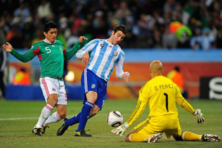 Jugada del segundo gol de la selección argentina, el tanto de Gonzalo Higuaín, que marcaba el 2-0 parcial por los octavos de final del Mundial 2010.