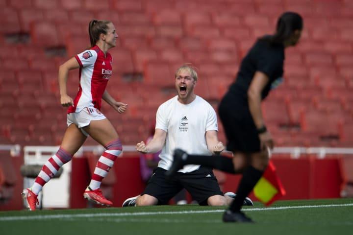 Arsenal head coach Jonas Eidevall (centre) celebrates