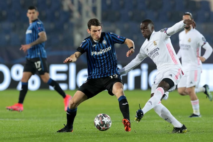 Den Roon started in the middle of the park for Atalanta