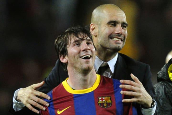 Barcelona's coach Josep Guardiola (R) ce