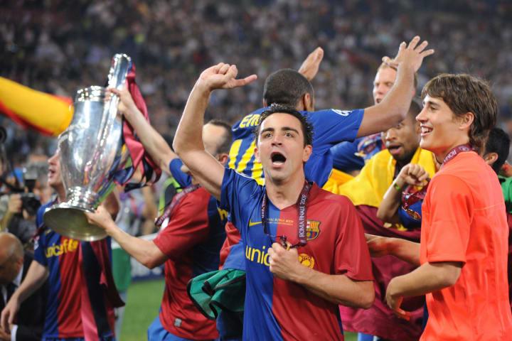 Barcelona´s midfielder Xavi celebrates w