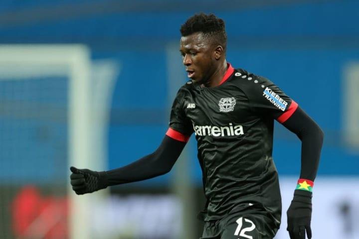Edmond Tapsoba con el Bayer Leverkusen