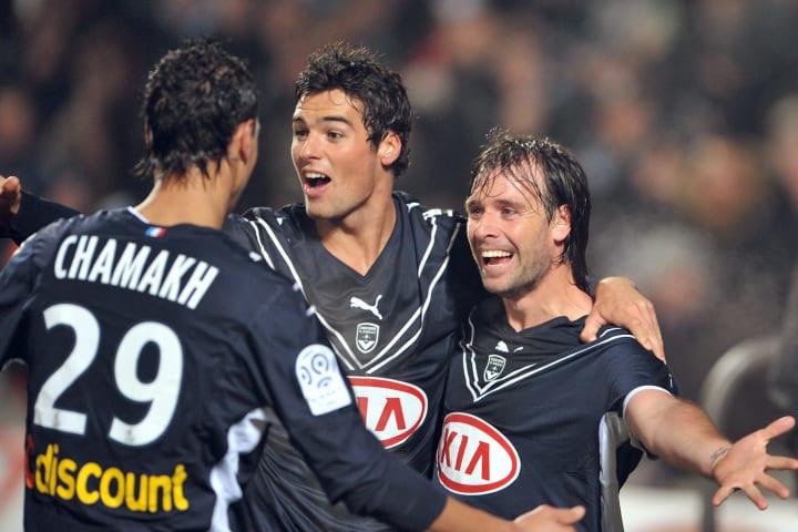 Bordeaux's forward Marouane Chamakh (L),