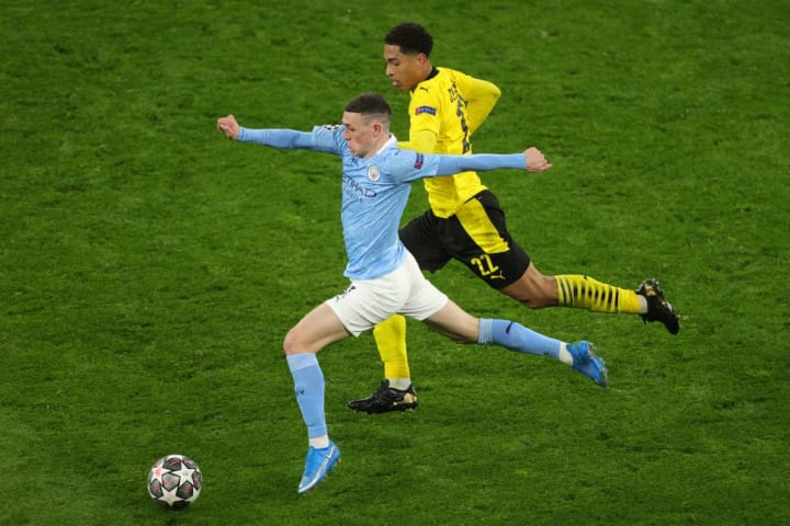 Phil Foden moves away from Jude Bellingham