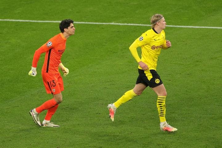 Sevilla goalkeeper Yassine Bounou mocks Dortmund's Erling Haaland