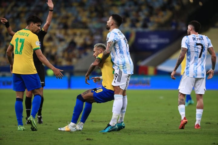 Nicolas Otamendi, Neymar Jr.
