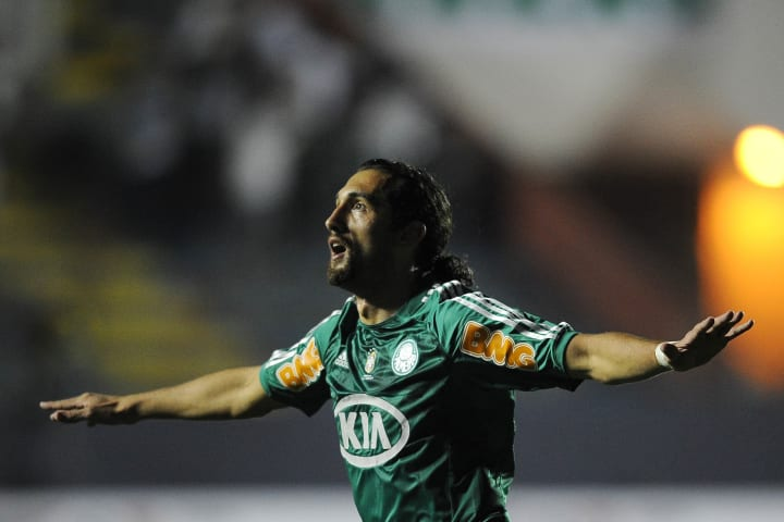 Brazilian Palmeiras' Barcos celebrates h