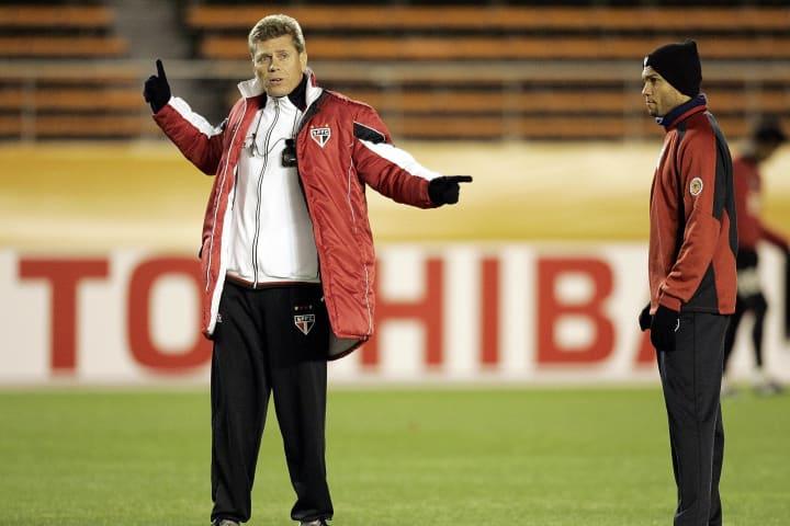 Brazilian club team, Sao Paulo FC head c