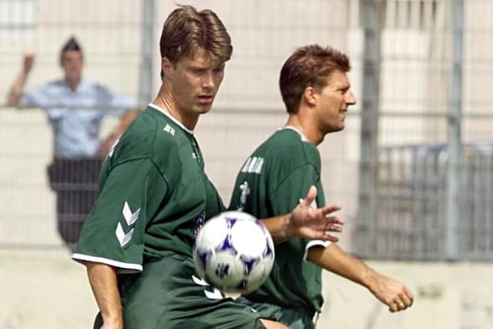 CUP-FR98-DEN-LAUDRUP-BROTHERS-TRAIN