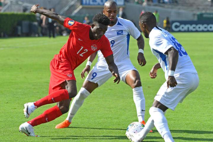 Alphonso Davies face à la Martinique lors de la Gold Cup.