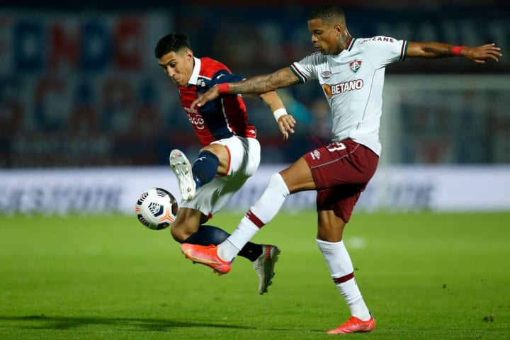 Enzo Giménez Caio Paulista Fluminense Cerro Porteño Libertadores Zebra