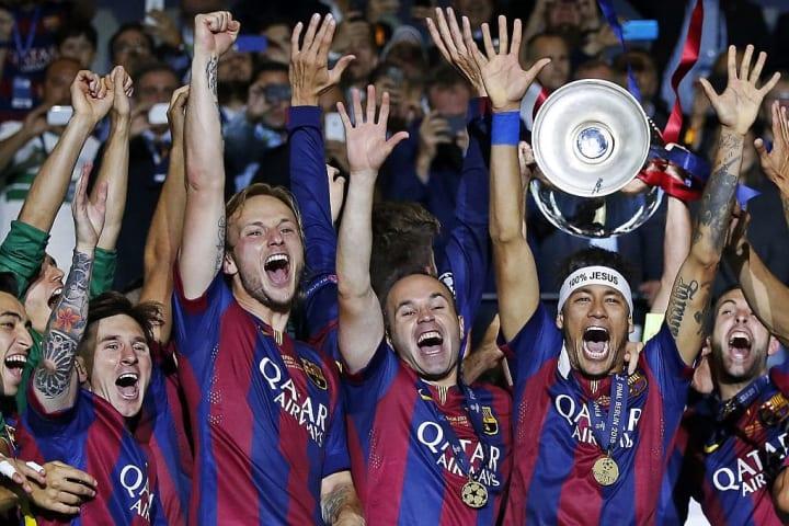 Messi celebrates with his teammates