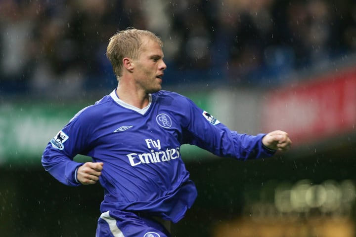 Eidur Gudjohnsen celebrates a wonderful performance against Blackburn Rovers