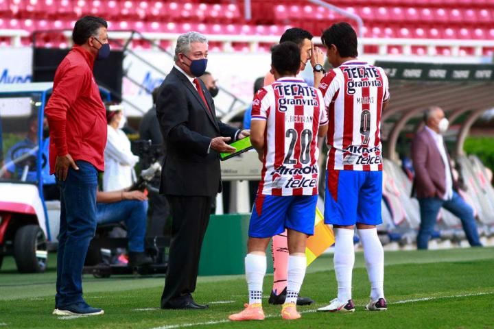 Victor Manuel Vucetich, Fernando Beltran, Jose Macias