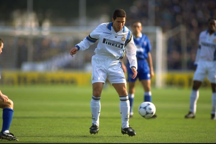 Diego Simeone tampil dalam 84 laga dengan Inter.