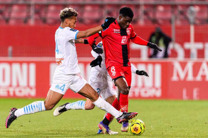 Boubacar Kamara, Junior Dina