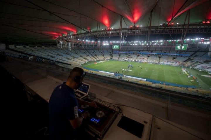 FBL-BRAZIL-MUSIC-DJ-FLUMINENSE-HEALTH-VIRUS