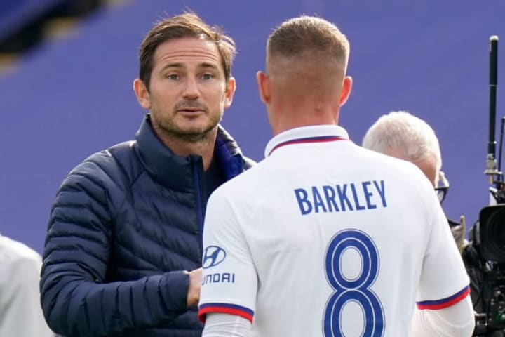 Lampard congratulating Barkley for his contribution on Sunday