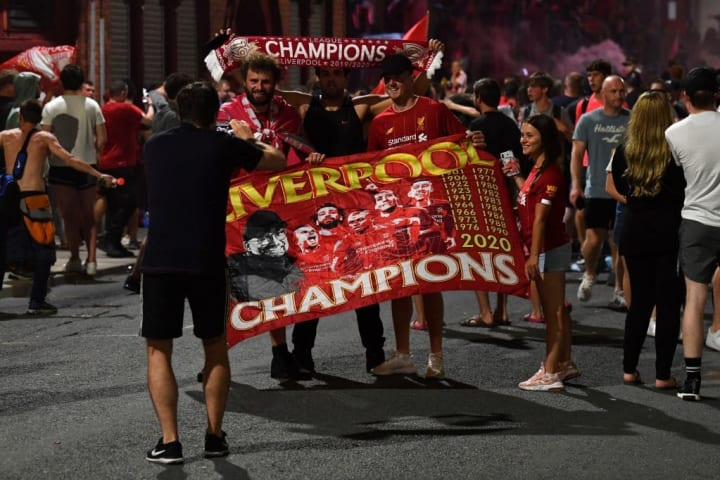 FBL-ENG-PR-LIVERPOOL-VICTORY-FANS