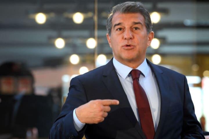 Barça-Präsident Joan Laporta soll sich bereits mit Flick ausgetauscht haben