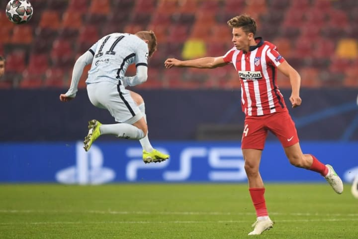 Llorente again filled in at right wing-back