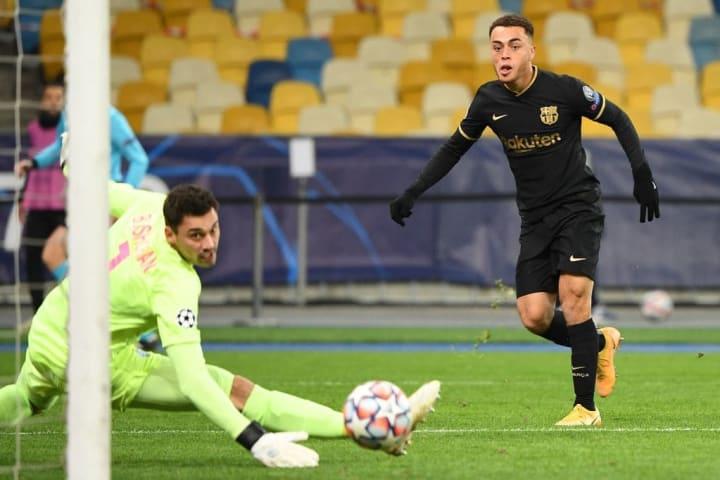 Dest grabbed his first goal for Barça