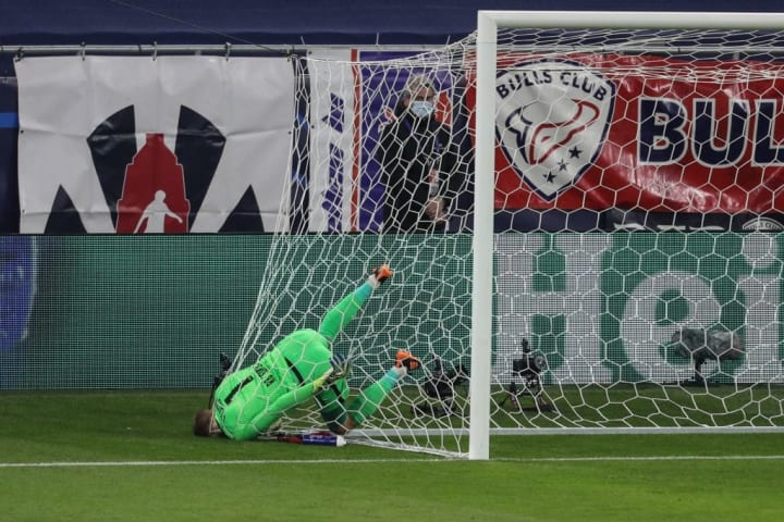 Gulacsi got his head stuck in the net in the first half