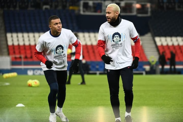 Neymar wants Kylian Mbappe to stay with him at PSG
