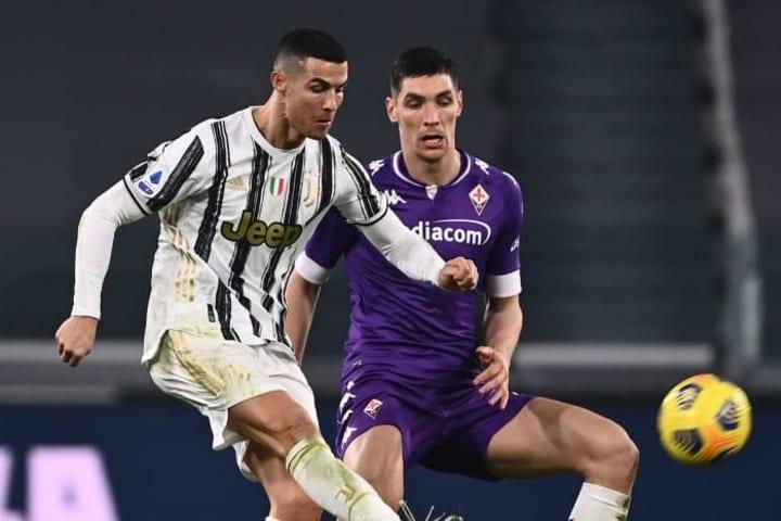 Cristiano Ronaldo e Nikola Milenkovic