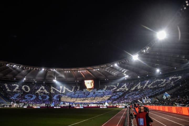 Aniversário de 120 anos da Lazio. E o Olímpico lotado!