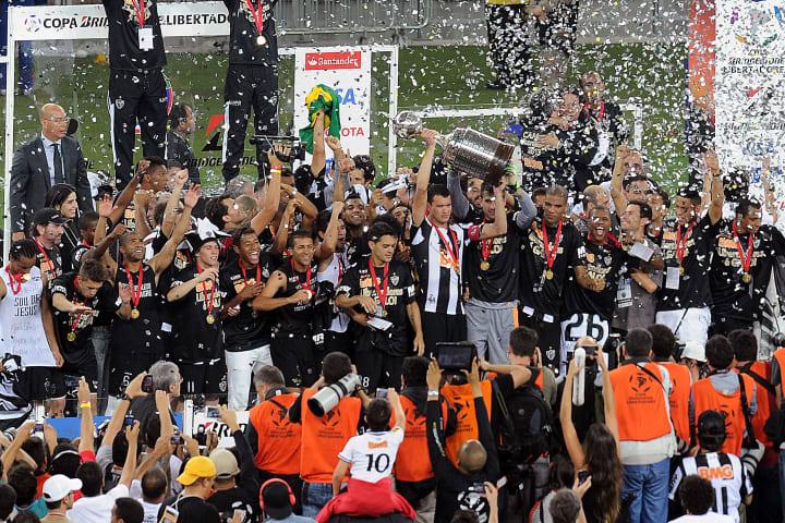 Atlético-MG Troféu Campeão Libertadores História Finais 2013