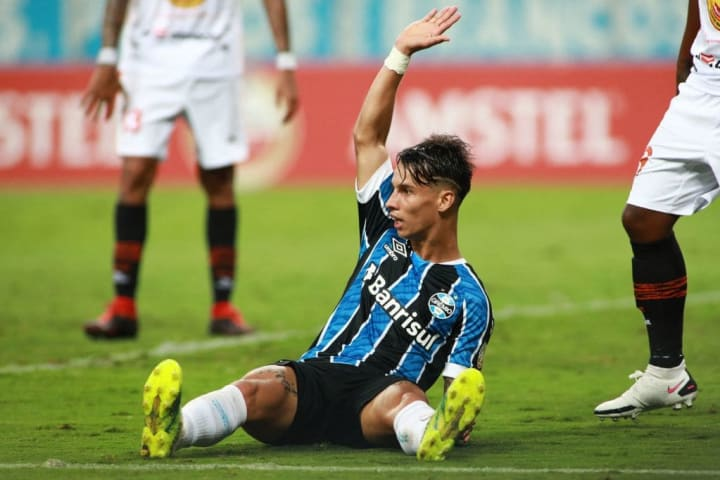 Grêmio Santos Soteldo Atacante Ferreira Mercado