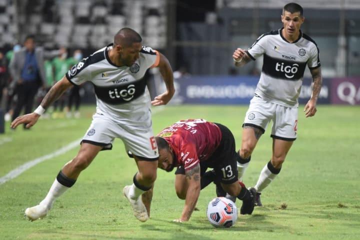 Libertadores Internacional Olimpia Taison Miguel Ángel Ramírez