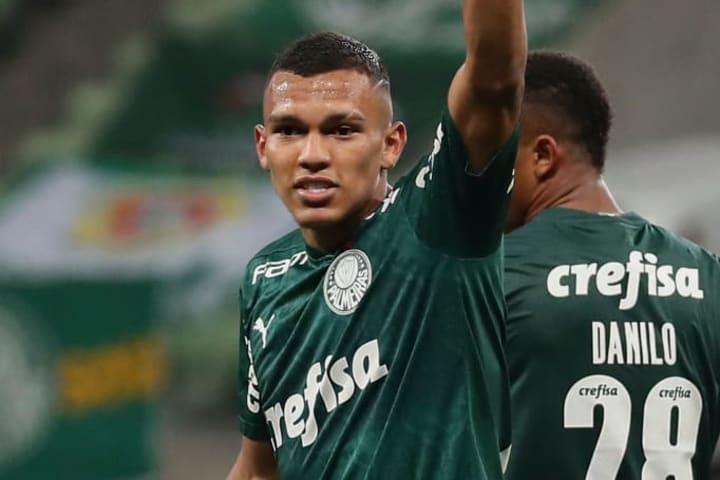 Jovem de 18 anos já tem passagens pela Seleção Brasileira Sub-17.
